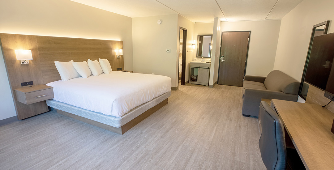 King-Bed-with-Sofa